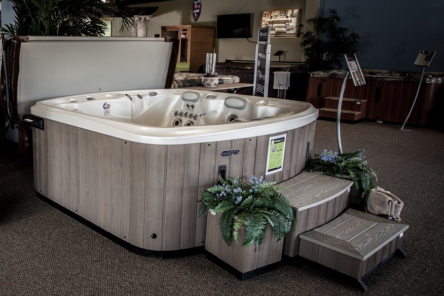 Hot Tub Fully Accessorized