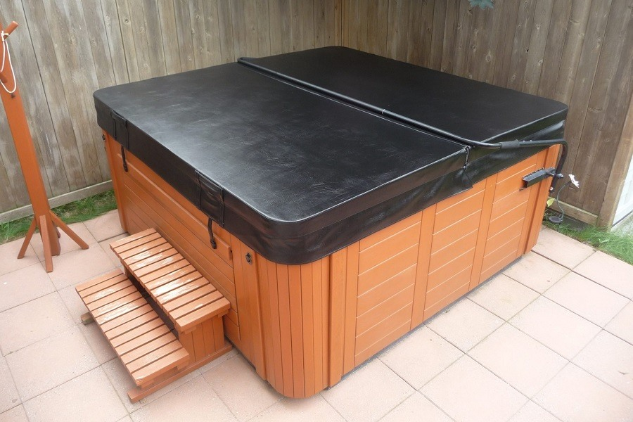 Heavy Duty Hot Tub And Spa Cover