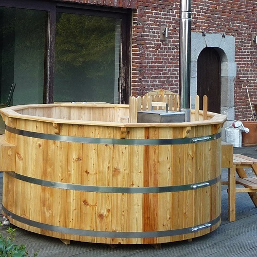Basic Wooden Hot Tub